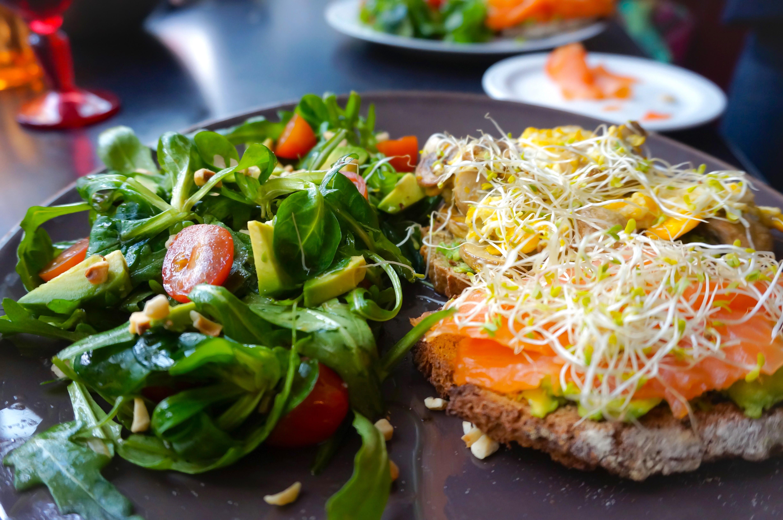 Mes tartines gourmandes & salade croquante de printemps