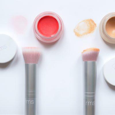 Revue : les pinceaux blush et fond de teint Skin2Skin de RMS Beauty