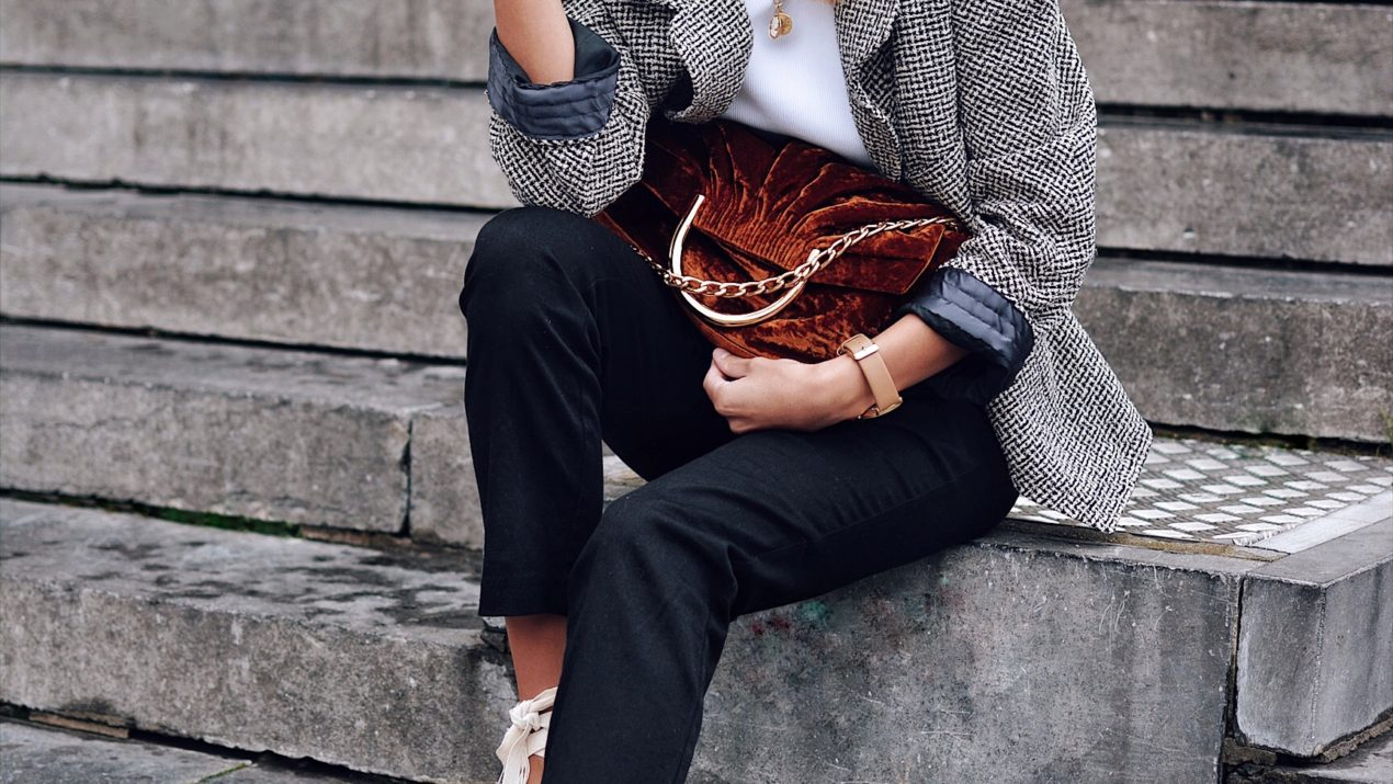 Chanel vintage & vegan Stella bag