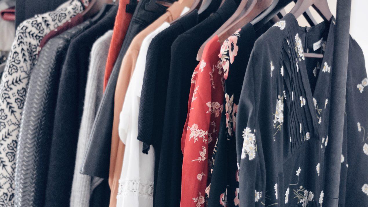 «détox» de mon dressing et réflexion sur la mode durable // closet cleanout