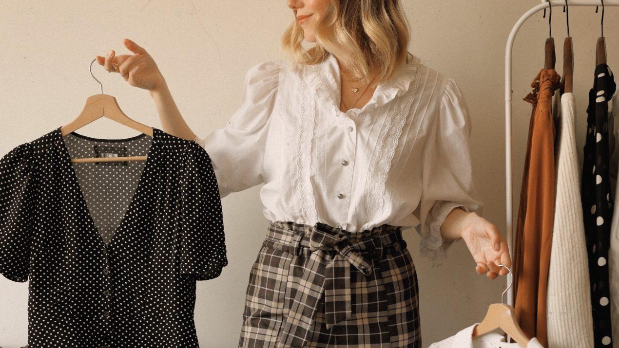 Mes 4 astuces pour s'habiller de manière éco-responsable (et stylée !) avec un petit budget