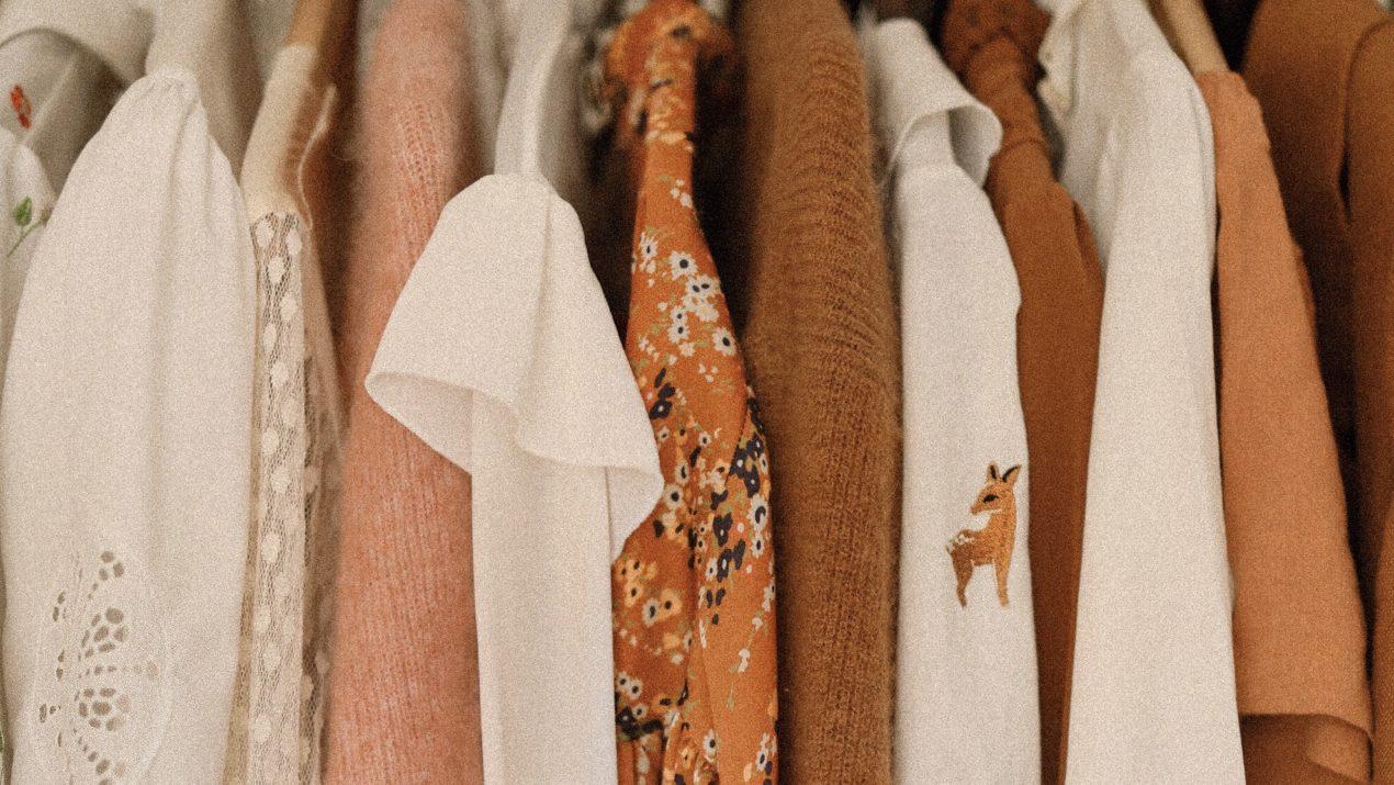 Mes 5 conseils pour une garde-robe plus durable, étape par étape !